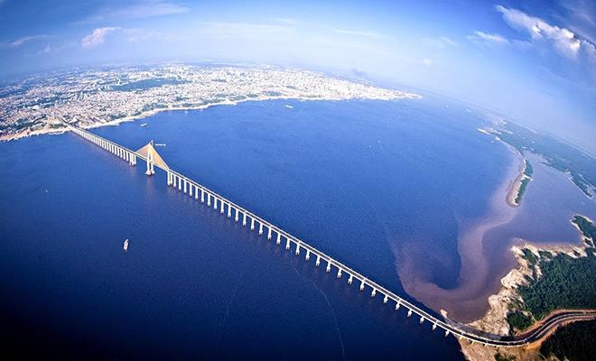 Почему через Амазонку до сих пор не построили ни одного моста