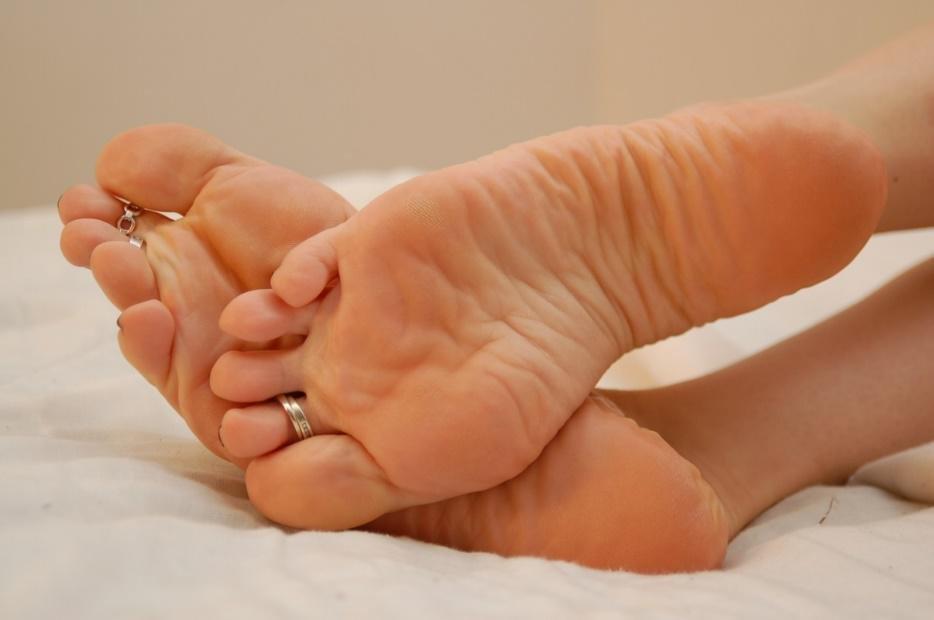 Женские ножки рабство такого дела