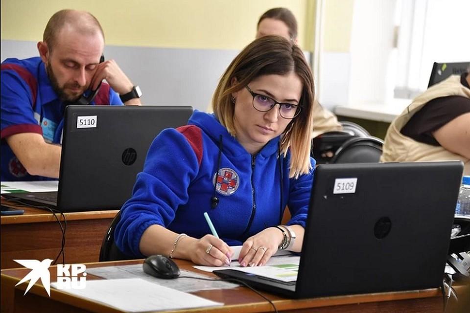 «Позвонил 1200 раз»: россиянин не смог вызвать врача 70-летней маме и пришел добиваться помощи в больницу
