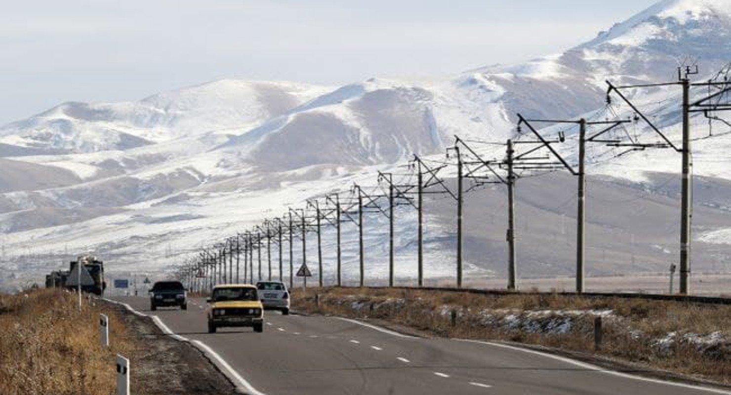 Федеральный проект «Дорожная сеть» коснется всех городов с населением более 100 тысяч человек Автомобили