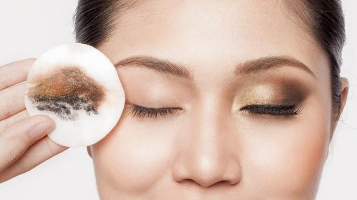 Оливковое масло прекрасно снимает макияж. /Фото: thanaka.vn