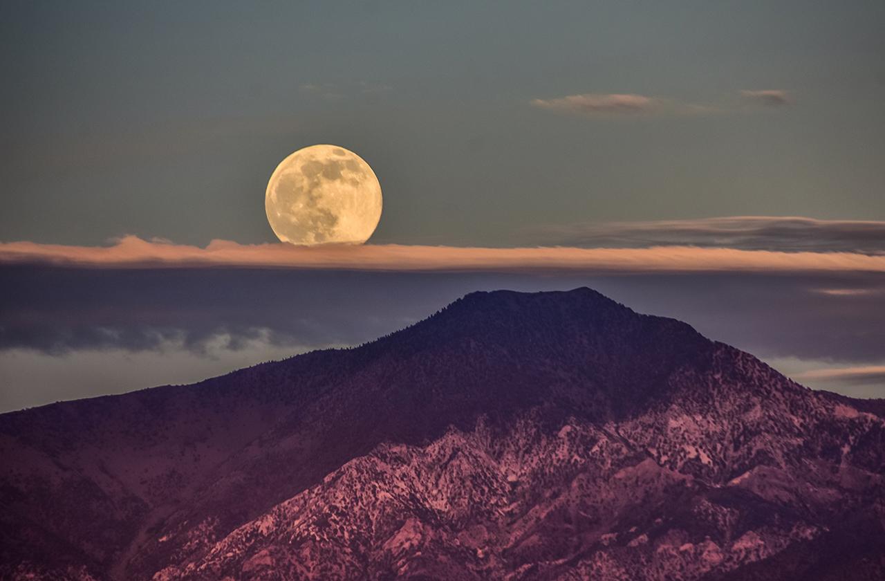 Чем Луна может быть полезной человечеству в будущем?