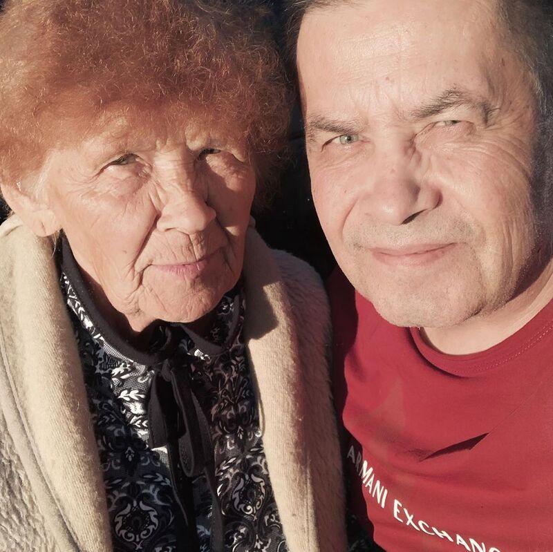 Фото 90-летней мамы Николая Расторгуева поразило сеть очень, Николай, Расторгуев, Фронтмен, главного, добро, радостьКроме, этого, активно, принялись, написание, пожеланий, Марии, Александровны, желали, самого, сказал, счастьяПозже, внешностью, прочел