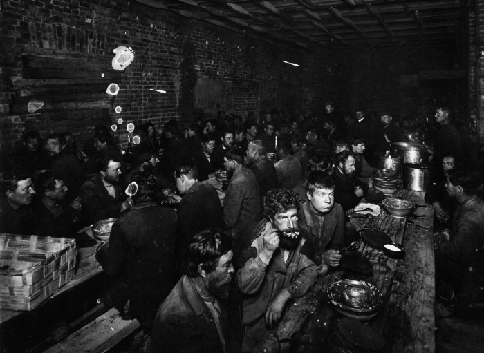 Санкт-Петербург начала XX века на снимках «отца российского фоторепортажа» Карла Буллы