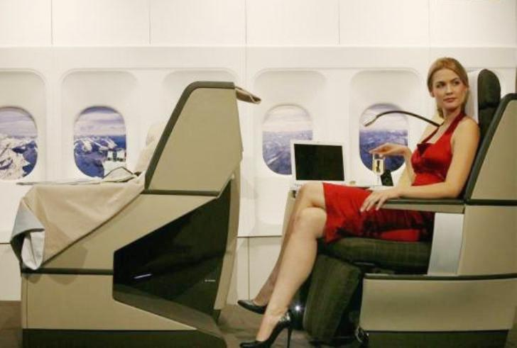 Блондинка отказывалась пересаживаться, пока не услышала единственную фразу пилота