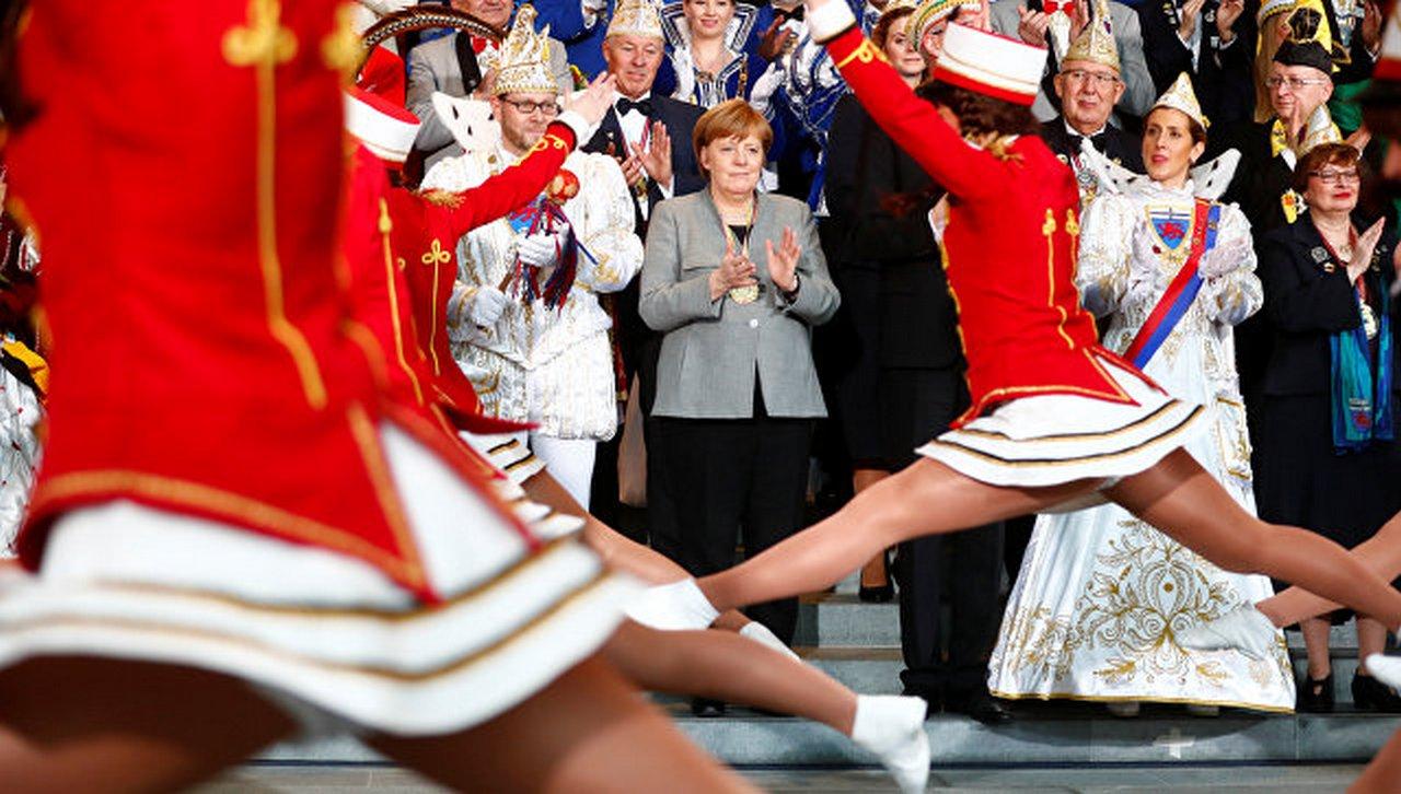 «Секрет её молодости»: Меркель ищет счастья в Шпане и в вине