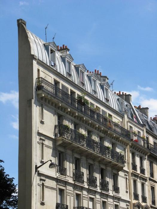 Самое «обрезанное» здание Парижа – Skinny Haussmann Building (Франция). | Фото: pinterest.com.