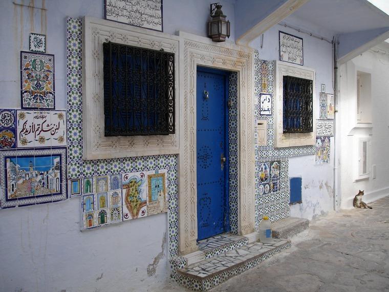 Колоритные двери, плитка и керамика Туниса