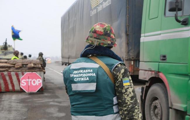 """Блокада для """"барыг"""": как военные зарабатывают на линии разграничения"""