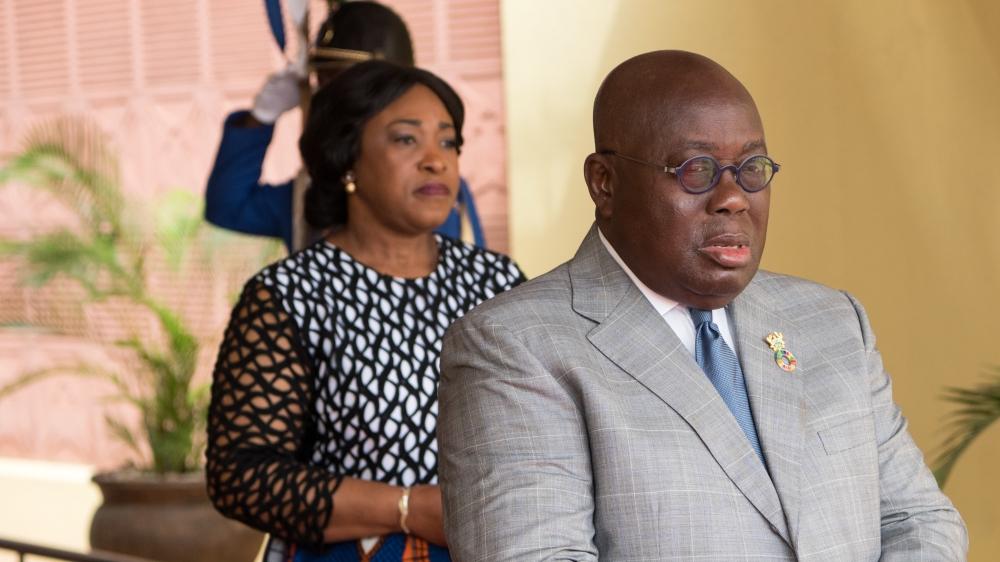 Жители Ганы осудили решение правительства назначить пособие жене главы государства Весь мир