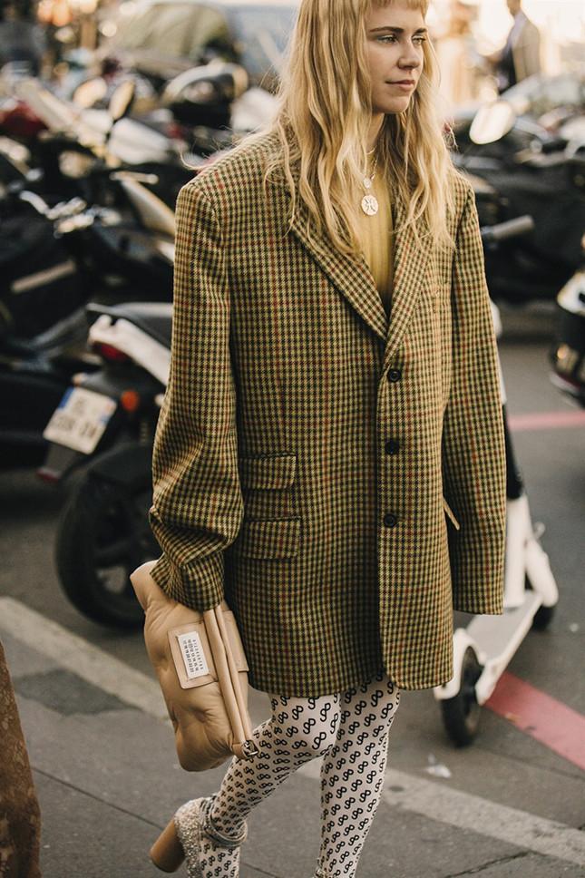 Как носить пиджак этой осенью