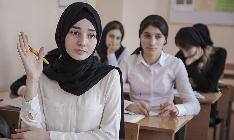 Прокуратура обязала запретить ношение хиджабов в 20 школах Пензы атрибуты,общество,религия,россияне,форма,школа