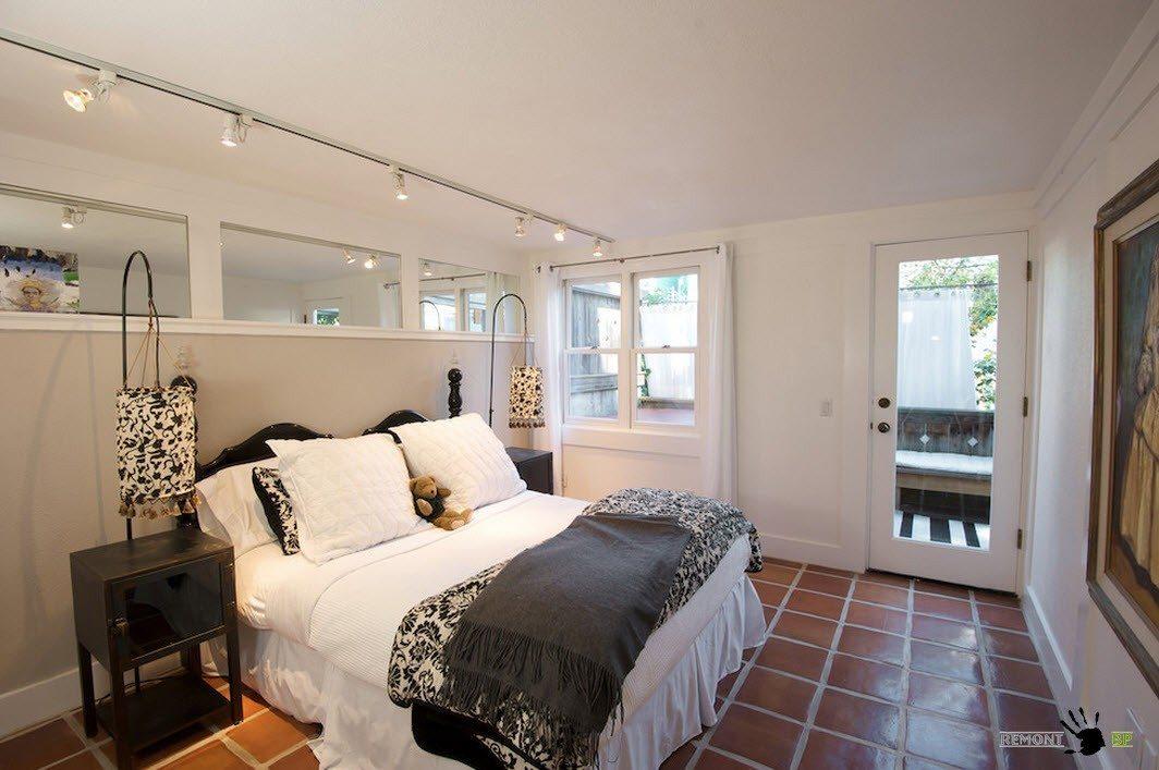 Плитка на полу спальни