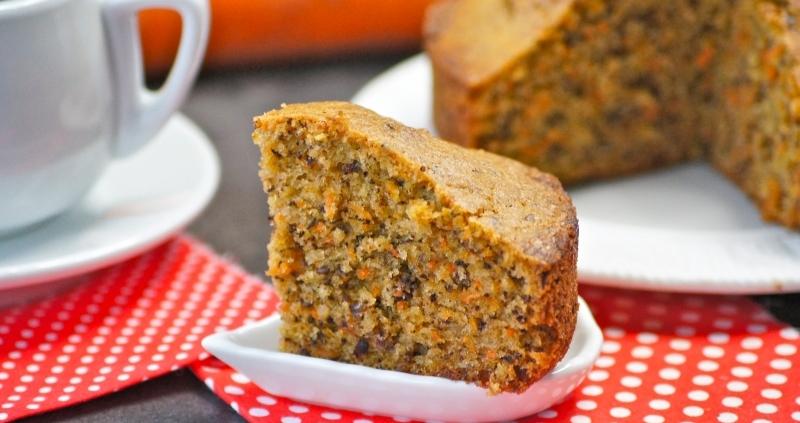 Ароматный морковный пирог для семейного чаепития:  быстро и просто