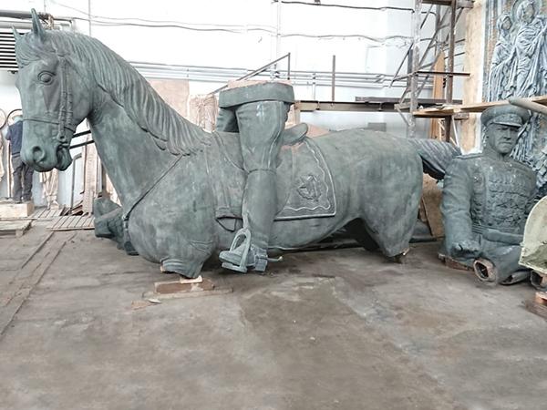 памятник Жукову, распил, реставрация(2020)|Фото: facebook.com/100001806463225