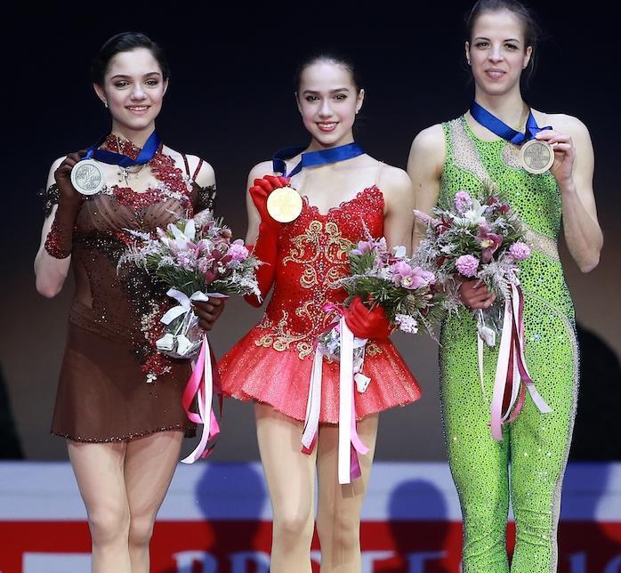 За золотую медаль российским…