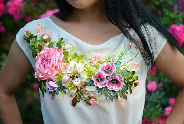 Больше цветов в вашей одежде: идеи для вышивки лентами