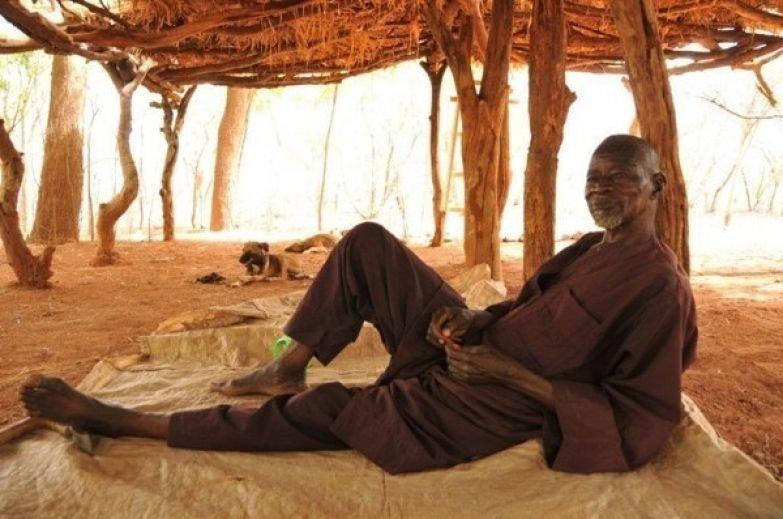 Что может сделать один человек? Якуба Савадого - человек, который остановил пустыню истории, наука, факты