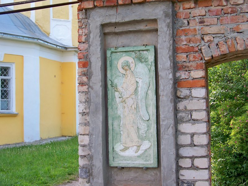 Фигурка ангела на воротах храма Города России, ивановская область, красивые города, пейзажи, путешествия, россия