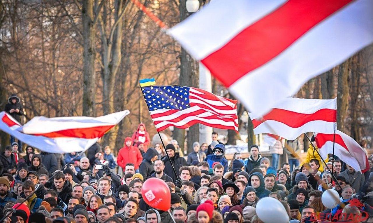 Белоруссию раскачивают не по детски