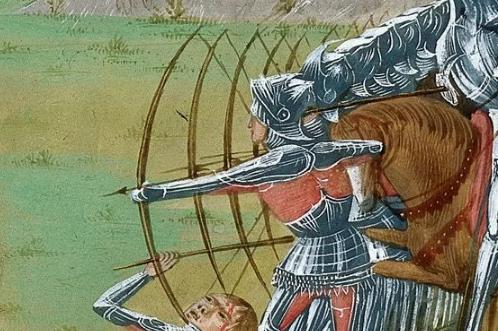 На самом деле английские лучники стреляли не в рыцарей