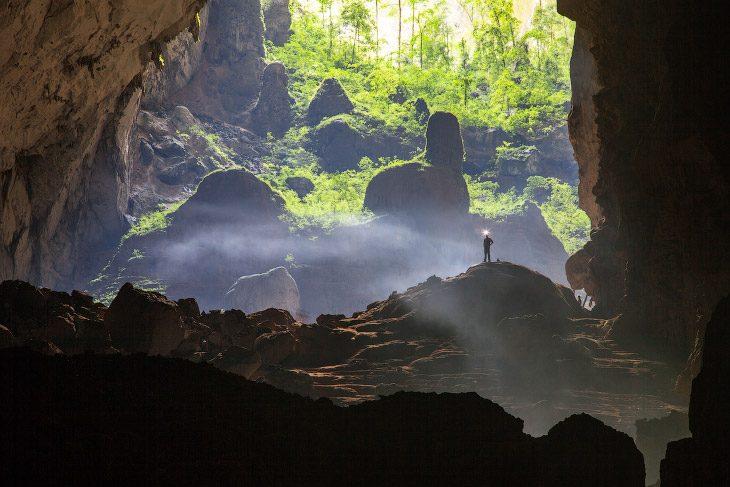 Увлекательная прогулка по самой большой пещере мира