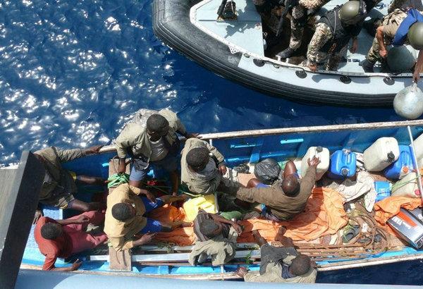 «Не стоило трогать русских»: Иностранцы о том, как боевой корабль РФ остановил пиратов Сомали