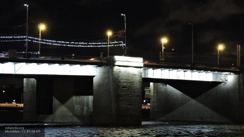 На освещение Володарского моста затратят 18,9 млн рублей