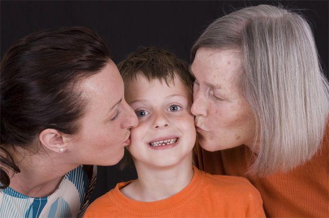 Кто лучше воспитает ребёнка – мама или бабушка, Здоровье ребенка, Здоровье, Аргументы и Факты