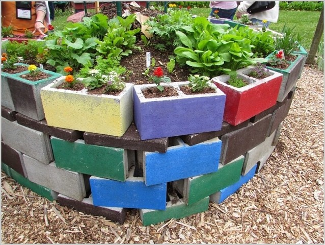Интересная идея для декора двора или дачи