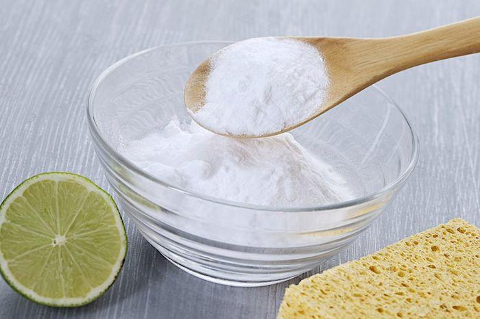 Высыпьте стакан соли в раковину, то, что произойдет дальше, Вас приятно удивит
