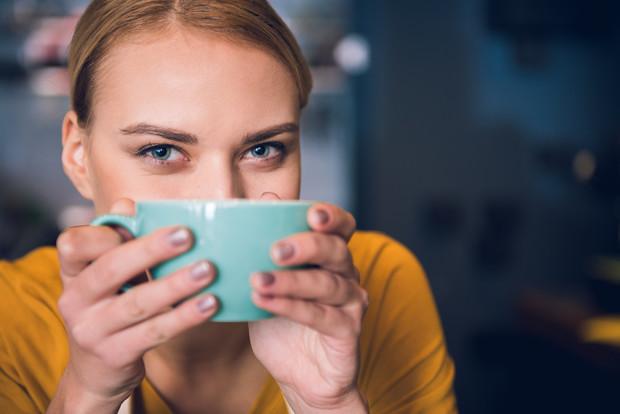 Врачи назвали самый вредный во время самоизоляции напиток