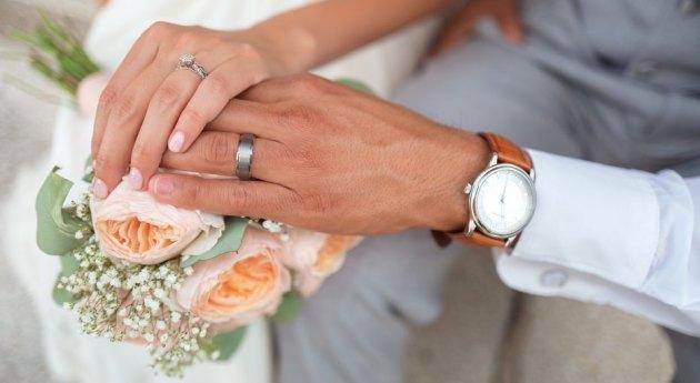 Мужчина с деменцией повторно женился на своей супруге, забыв 12 лет совместной жизни