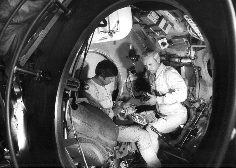 Бортинженера «Салюта-7» Владимира Соловьева однажды на орбите избили...  Кулаками