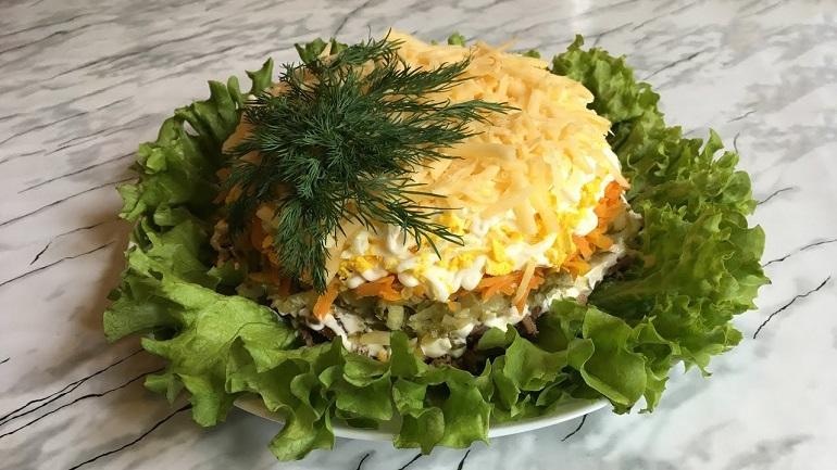 Самый нежный салат с куриной печенью: объедение на ужин