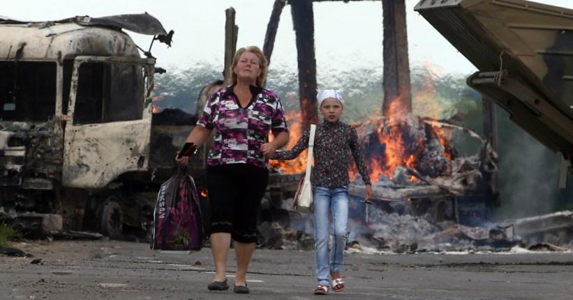 Играть и плакать: страдания переселенцев на Украине превратили в веселую забаву