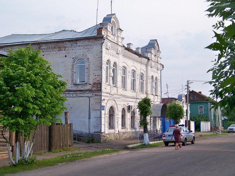 Старинный особняк, который занят полицией Города России, ивановская область, красивые города, пейзажи, путешествия, россия
