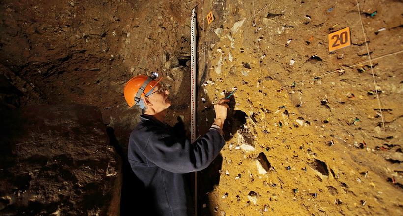 Денисова пещера на Алтае: здесь уже столько всего найдено, но многое еще впереди