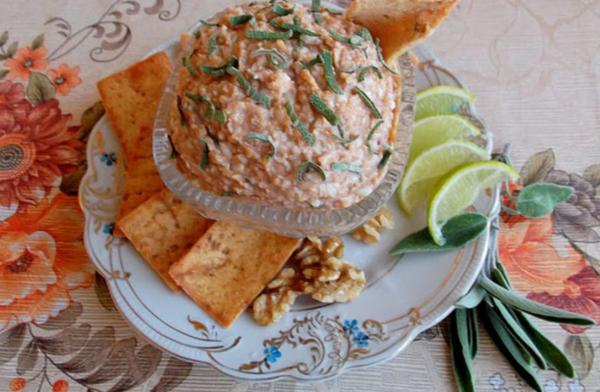 Рецепт грузинского яичного салата с грецкими орехами
