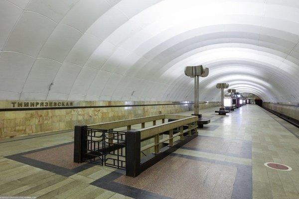 Зачем в Ленинградском метро строили станции с дверьми на платформе СССР, истории, ностальгия, факты
