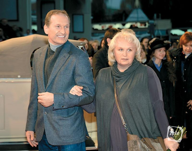 «Буду верен тебе до девяноста лет, а потом…»: а вы видели жену актера Федора Добронравова. Такая милая и простенькая женщина