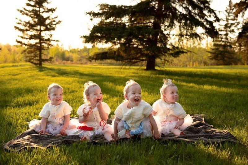 Чтобы сразу четверняшки и в результате естественного оплодотворения - шансы крайне малы жизнь, идентичные, интересное, истории, уникальные, факт, четверняшки