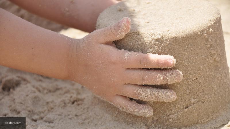 В Пестовском парке Балашихи установили огромную песочницу