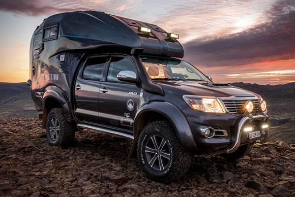 Обновленный Toyota Hilux получит брутальный дизайн в стиле Tacoma