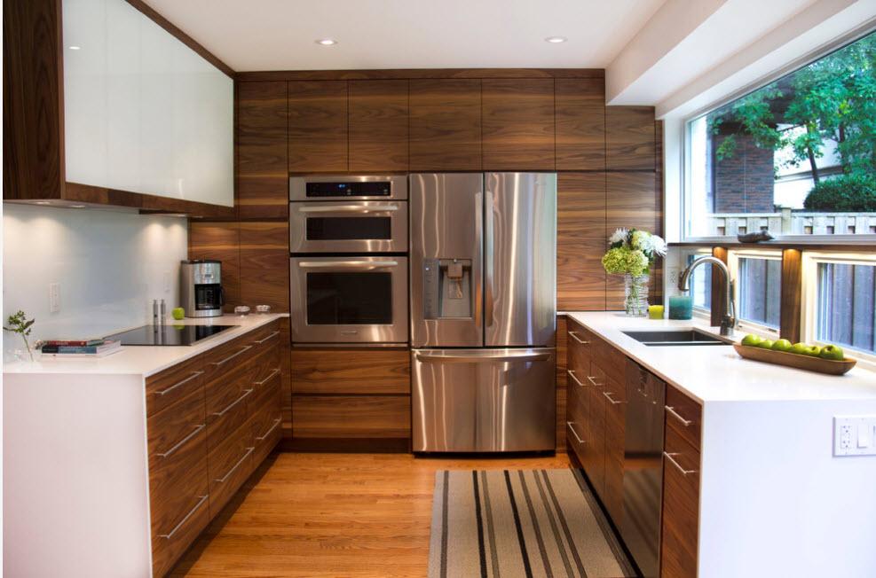 Блеск вместительного холодильника