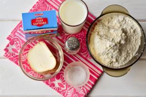 Сырные лепешки на молоке - фото шаг 1