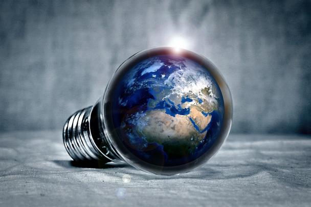 За три года электричество подорожает на 15%, а услуги ЖКХ - на 12%