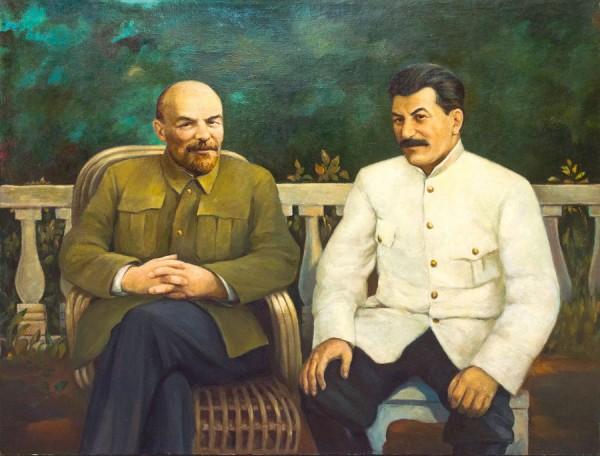 Почему Россия хочет сегодня видеть главой Сталина, а не Ленина?