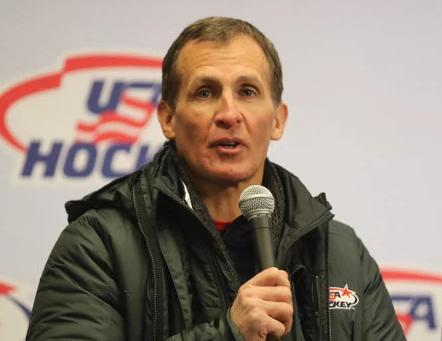 Тренер сборной США по хоккею не подал руки российскому коллеге