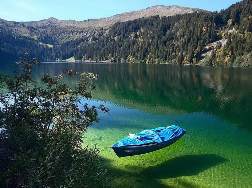 Это самое чистое озеро на планете, но не вздумайте в нем купаться!
